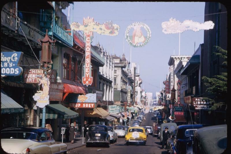 當年在李鴻章造訪美國紐約後,中國菜「雜碎」在美國風行一時。圖為過去位於舊金山唐人街的「雜碎」(Chop suey)餐廳。(資料照,取自維基百科)