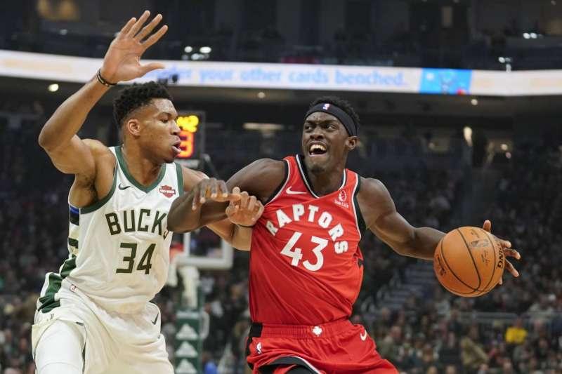 美國職籃NBA多倫多暴龍前鋒西雅坎8日飆44分抓10籃板,率隊以122比104輕取紐奧良鵜鶘。(美聯社)
