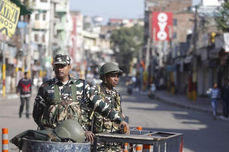 印度的印度教聖地阿約提亞(Ayodhya),也是印度教徒與穆斯林衝突的焦點,安全部隊戒備森嚴(AP)