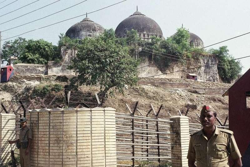 印度的印度教聖地阿約提亞(Ayodhya),曾經有一座「巴布爾清真寺」(Babri Masjid)(AP)