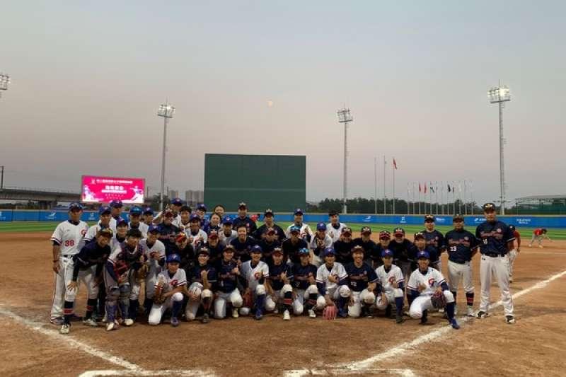女棒亞錦賽中華隊與香港交手拿下勝利,順利晉級複賽。 (棒協提供)