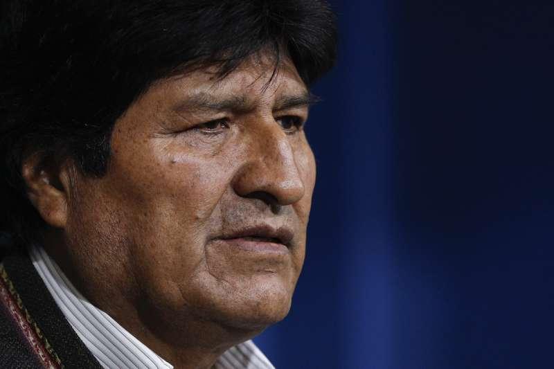 2019年玻利維亞總統選舉傳出嚴重舞弊,現任總統莫拉萊斯(Evo Morales)被迫宣布重新投票(AP)