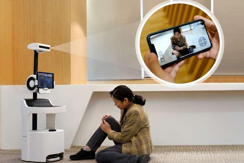 工研院「PECOLA樂齡陪伴機器人」不僅能辨識分析老人的生活狀況、飲食起居,還可透過影像跌倒偵測技術發出通報。(圖/工研院提供)
