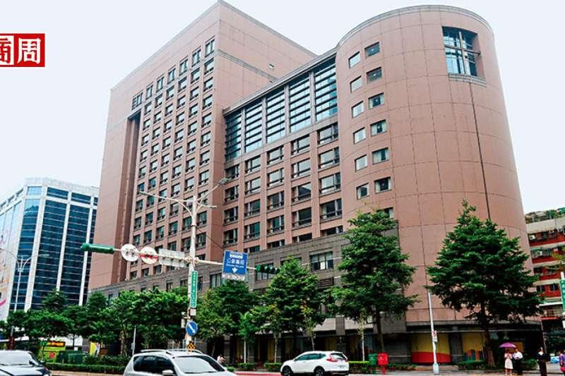 JR東日本海外首家飯店將落腳北市南京東路三段六福皇宮原址,鄰近日客喜愛的兄弟飯店,勢必上演搶客大戰。(攝影者.程思迪)