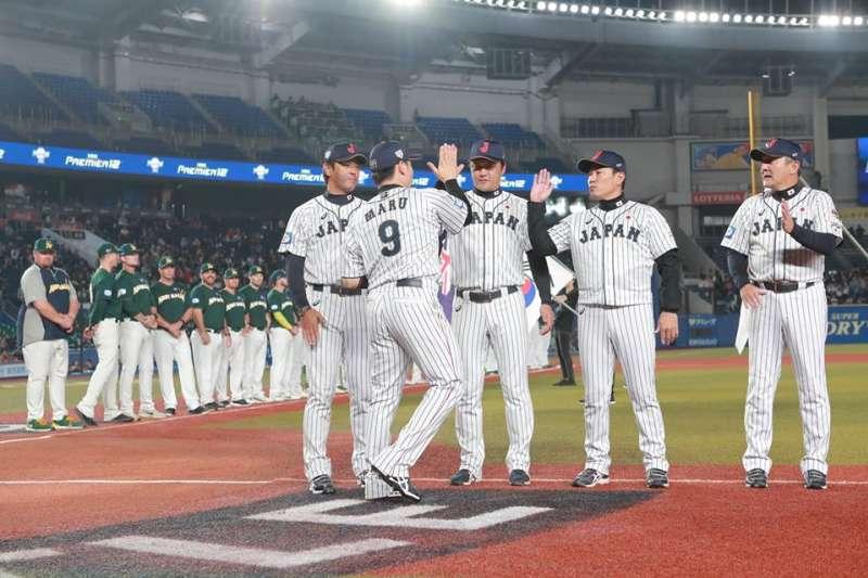 2019世界12強棒球賽複賽開打,11日晚間6時在千葉球場進行澳洲與日本之戰,日本隊終場以3比2逆轉險勝澳洲,驚險拿下複賽首勝。(取自WBSC粉絲頁)