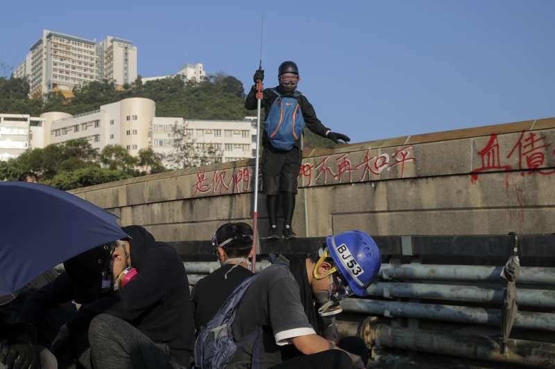 香港中文大學連日警民衝突,陸委會今(14)日表示,在港台生至今日返台人數近370人。(資料照,美聯社)