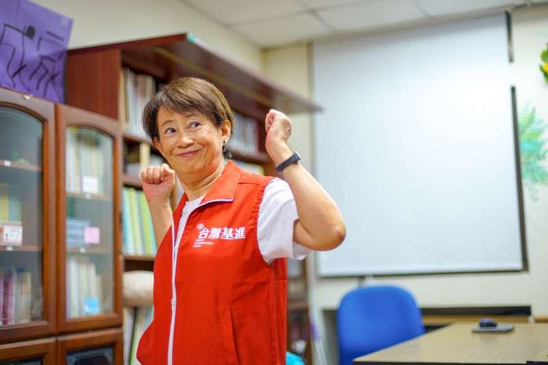 台灣基進黨13日宣布,提名高雄醫學大學性別研究所退休教授成令方(見圖)為不分區立委第1位。(台灣基進提供)