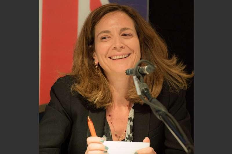 來自黎巴嫩的哈拉夫將成為英國《金融時報》創刊131年來第一位女總編輯。(翻攝facebook.com/roula.khalaf.90)
