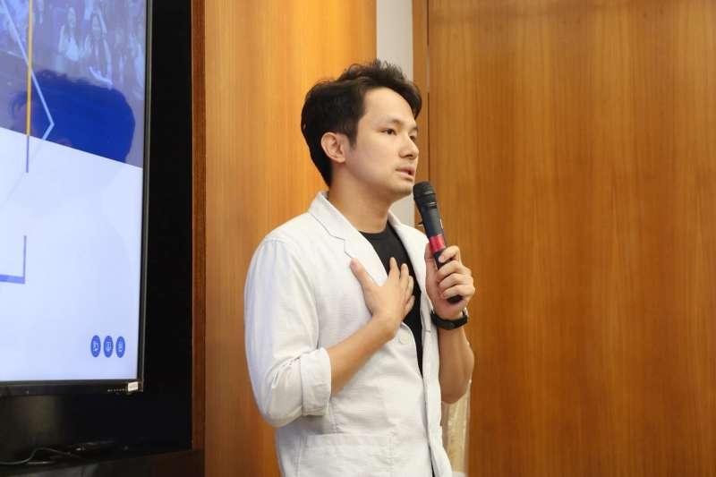 20191107-數位外交協會舉行「Taiwan Corner公民外交咖啡館推廣計劃」記者會,圖為Taiwan Diary創辦人杜海勇。(台灣數位外交協會提供)