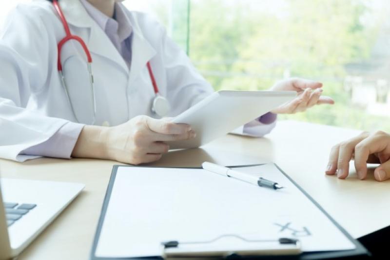 導入乳房超音波AI輔助診斷系統,可以在很短的時間分析比對,挑出疑似病狀,再由臨床醫師進行判斷。(圖/freepik)