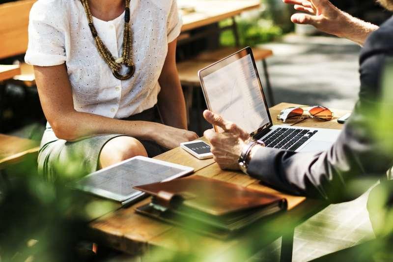 從提供的服務類別來看,入選100家FinTech企業有42間為支付與借貸服務公司。(示意圖/ rawpixel@pixabay)