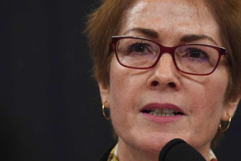 2019年11月15日,美國聯邦眾議院「烏克蘭門」彈劾川普總統聽證會,前駐烏克蘭大使尤凡諾維契(Marie Yovanovitch)出席(AP)