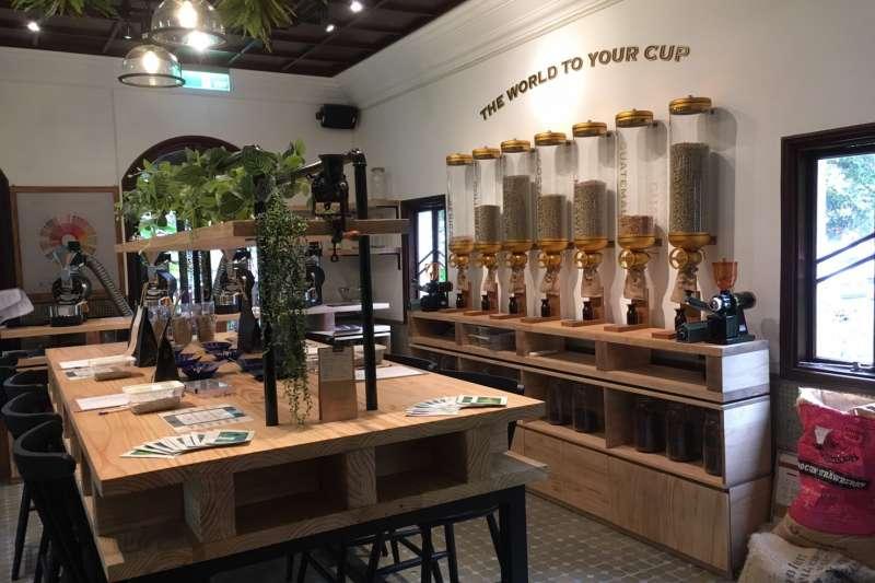豆留森林的烘豆教室,讓喜愛咖啡的消費者都能成為「業餘專家」(圖/cama)