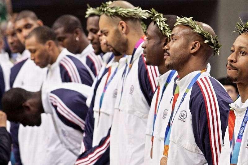 2004年雅典奧運僅摘下銅牌,成為美國隊與NBA改變的契機。 (美聯社)