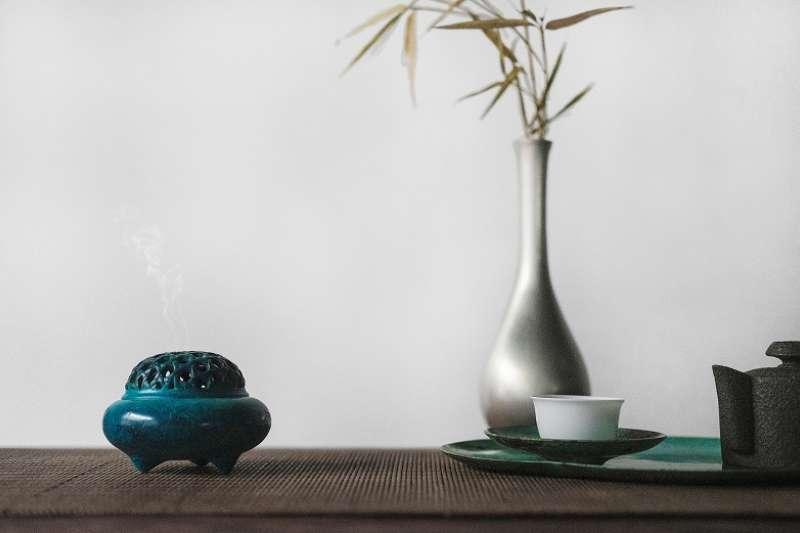 隨著中國最近幾十年經濟發展,人們對中國瓷器、文物、古董的興趣大增。在國際市場上,近年來的中國古董拍賣價格不斷創下高紀錄。(圖/unsplash)