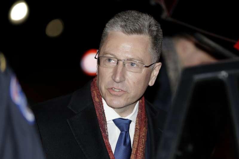 2019年11月19日,美國總統川普「烏克蘭門」彈劾案國會公開聽證會,前任國務院烏克蘭事務特使沃爾克(Kurt Volker)(AP)