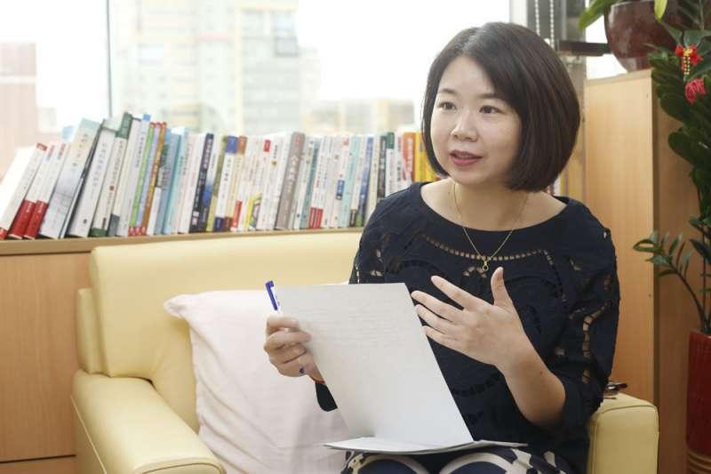 來自柬埔寨、嫁到台灣定居20多年的林麗蟬,2016年成為首位新住民立委。(郭晉瑋攝)