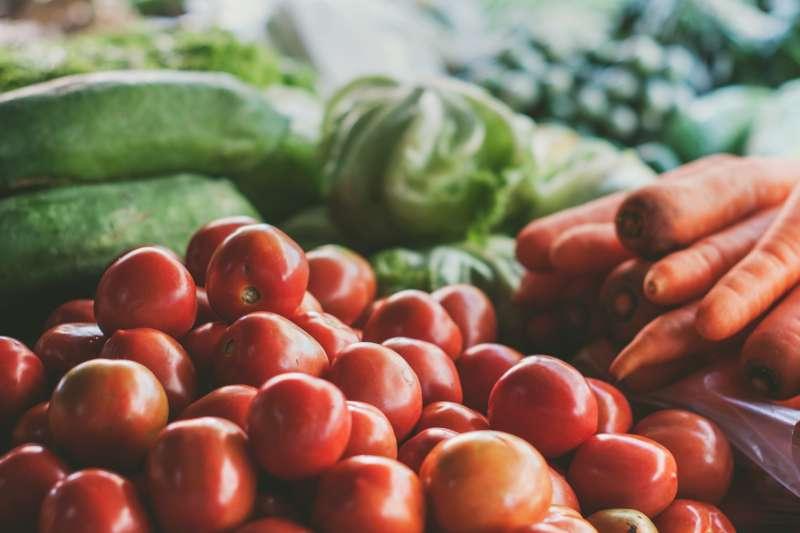 富含茄紅素的番茄是很強的抗氧化劑(圖/Unsplash)