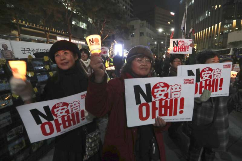 日韓貿易戰讓南韓百姓對安倍晉三倒盡胃口。(美聯社)