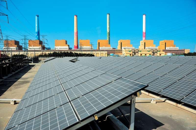 台中電廠從建廠開始迄今,投入環保改善金額達948億元。(圖/台電提供)