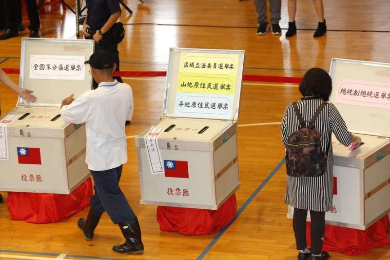 2020年大選在即,法務部官員強調下修《民法》成年年齡和選舉毫無關連。(郭晉瑋攝)