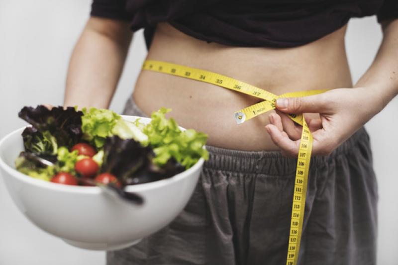 術後仍要注意生活型態的改變,包括飲食病搭配持續且有效的運動,才不會復胖。(圖/freepik)