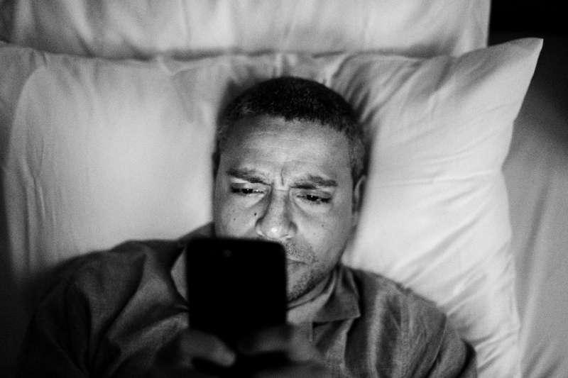 圖說:生活壓力大,失眠已成為許多人的夢魘(圖/freepik)