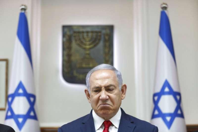11月21日,以色列總理納坦雅胡,遭到正式起訴,罪名包括收賄、詐欺與背信。(AP)