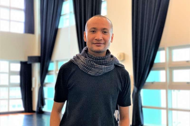 柬埔寨首個男同志舞團創辦人普魯姆蘇敦(Prumsodun Ok)(簡恒宇攝)