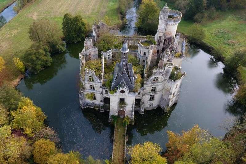 1500萬就可以買到一座城堡?(示意圖/Château de la Mothe Chandeniers@facebook)