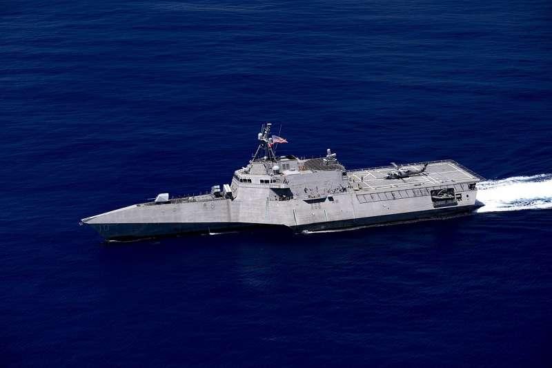 吉佛森號(USS Gabrielle Giffords)(取自維基百科共享資源)