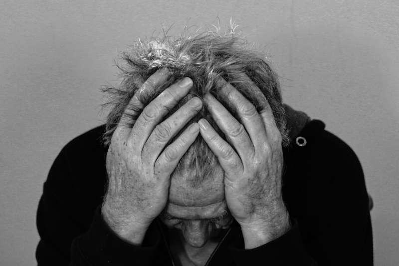 20191129-個人危機,苦惱,懊悔,痛苦,頭痛。(資料照,取自pixabay)