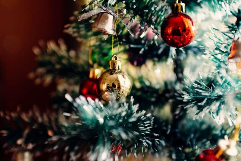 12月是耶誕氣氛濃郁的季節(取自Pixabay)