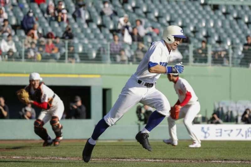 鈴木一朗率領素人棒球隊,對戰智辯學園和歌山高校教職員隊,完投9局用131球,飆16次三振,以14比0完封對手。 (截圖自Bush Leaguer推特)