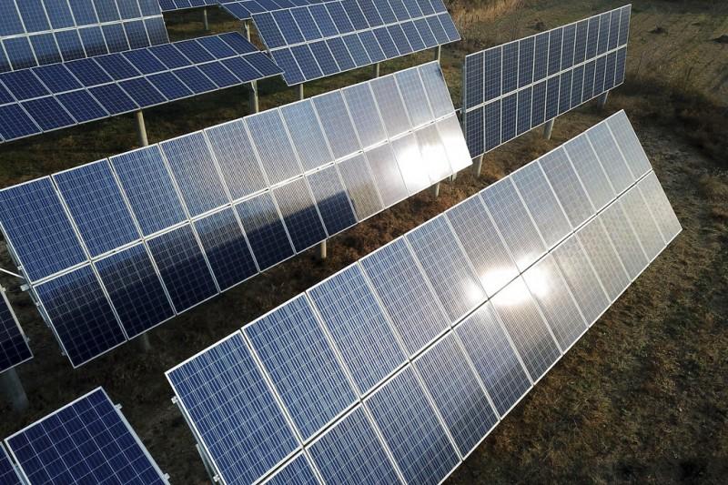 台灣菸酒公司去年推動的花蓮酒廠地上權標案,日前公告,將租給綠電業者建置太陽光電設施。示意圖。(資料照,美聯社)