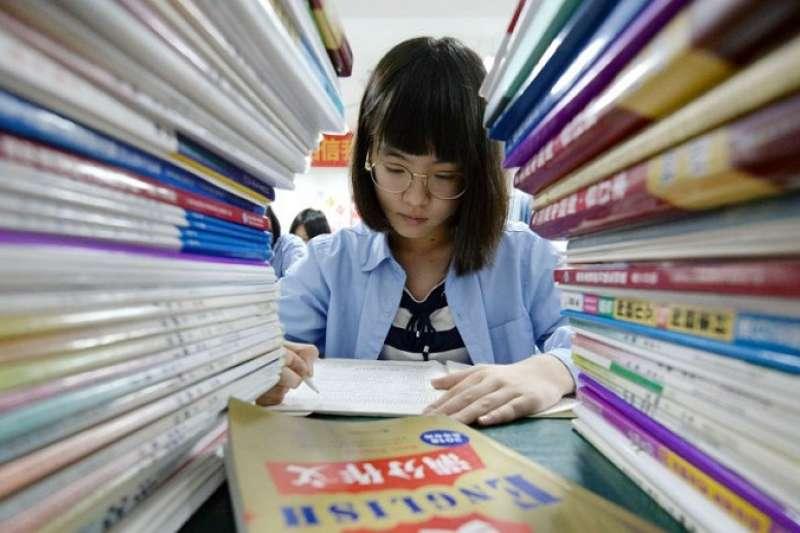 自2009年以來的四次PISA評估當中,中國已經三次名列榜首。(圖/BBC News中文)