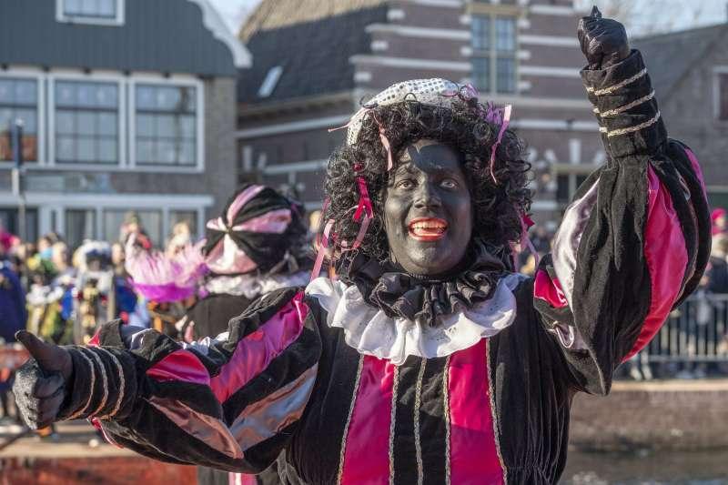 荷蘭傳說中聖尼古拉(耶誕老人)的幫手黑彼得(AP)