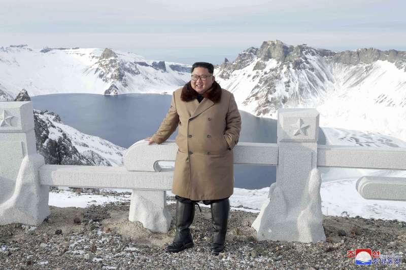 北韓領導人金正恩登白頭山(AP)