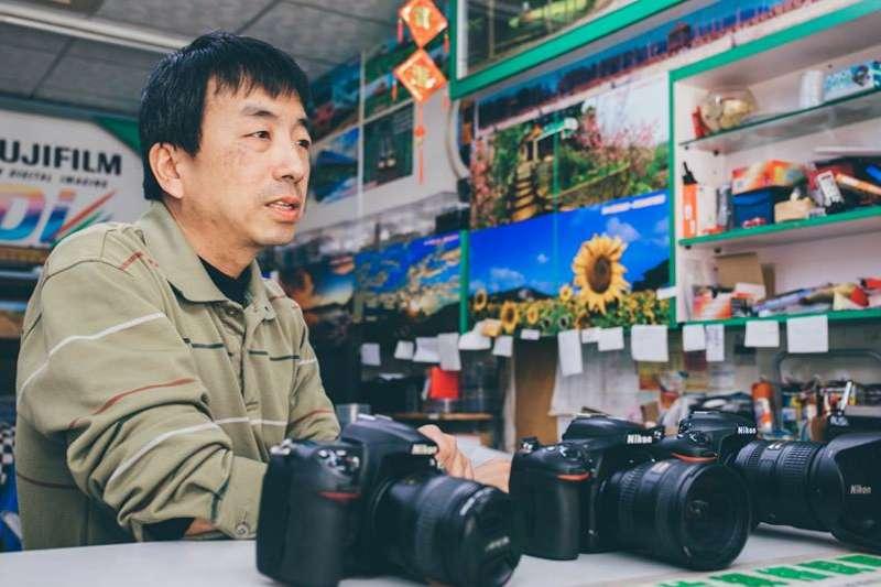20191205-西濱公路通霄段榮膺台灣最美景觀公路,作品出自寶島照相館負責人張文煥之手。(張文煥提供)