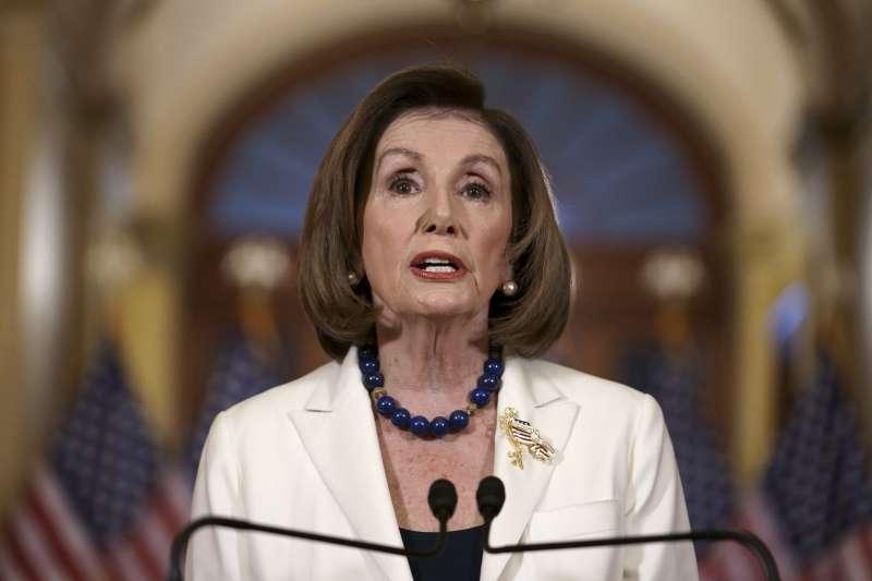 2019年12月5日,美國聯邦眾議院議長裴洛西(Nancy Pelosi)宣布要求司法委員會主席提出彈劾川普總統條款(AP)