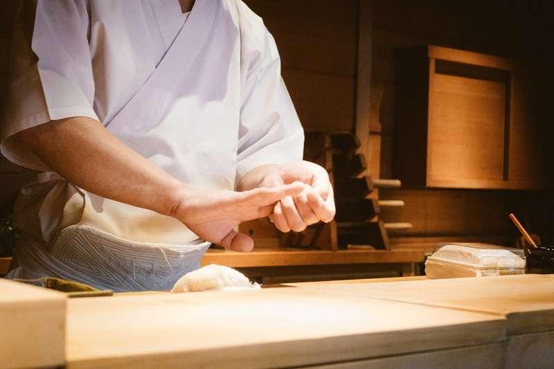 在日本用餐有許多禮儀要遵守,否則容易被店家白眼。(圖/pakutaso)