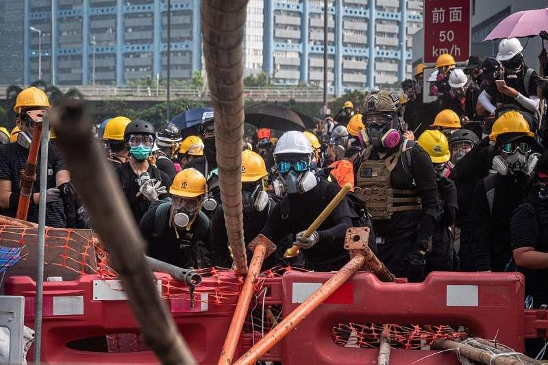 是什麼樣的覺悟,讓香港年輕人抱著必死的信念上街?(圖/維基百科)