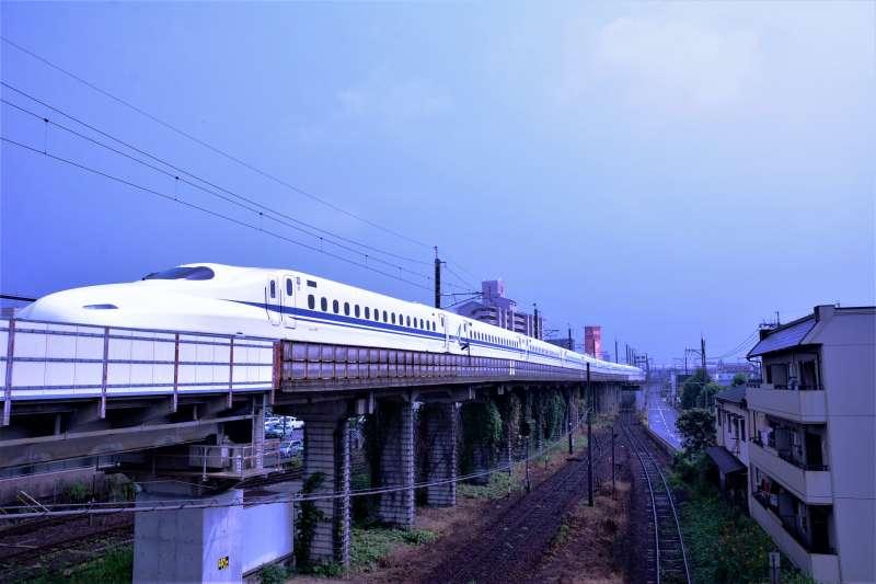目前越南的窄軌(1公尺軌距)鐵道。該國是否另行新建新幹線仍未確認。(圖/想想論壇提供)