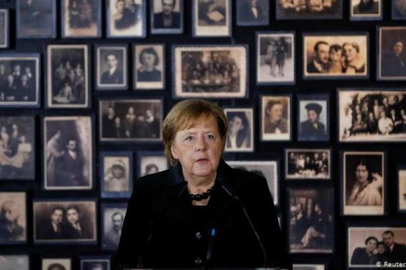 德國總理梅克爾12月6日在奧斯維辛發表演說。(德國之聲)