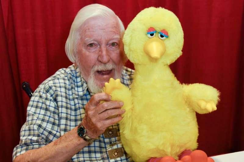 美國知名兒童節目《芝麻街》知名角色大鳥的操偶師史賓尼8日逝世,享壽85歲(美聯社)