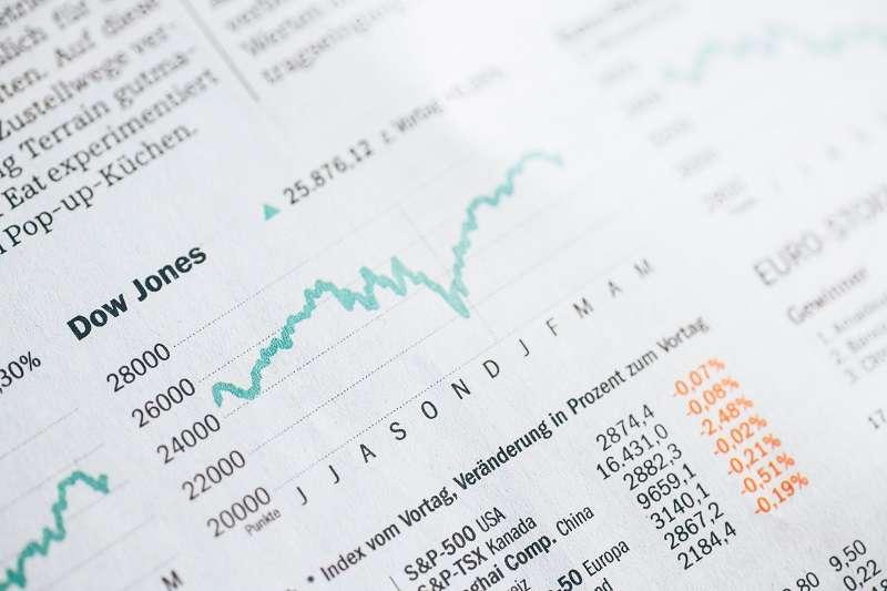 參與股票申購 (抽籤) 的獲利不需要做太多的功課,符合簡單投資的精神,適合人人學上一筆。(圖/unsplash)