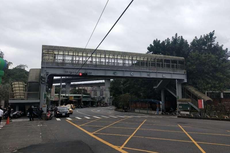 泰山黎明陸橋拆除前現況照。 (圖/新北市工務局提供)