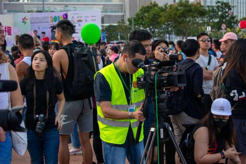 香港反送中運動中,不少記者在採寫過程中遭港警施暴、拘捕(示意圖/Unsplash)