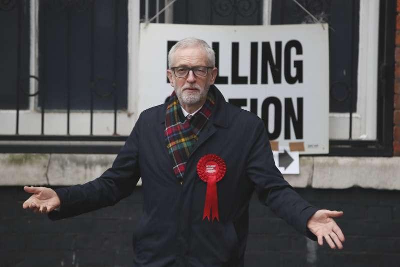 2019年12月12日,英國舉行國會大選,最大反對黨工黨慘敗,黨魁柯賓恐將引咎辭職(AP)
