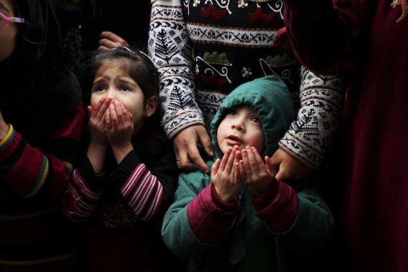 印度喀什米爾穆斯林的小孩(美聯社)